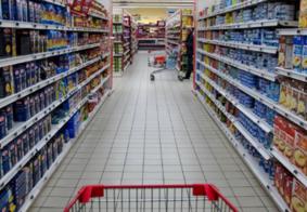 Por economia desfavorável, brasileiro muda hábitos de consumo e pesquisa preços, dizem instituições