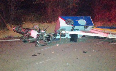 Local do acidente registrado na noite deste sábado (26)
