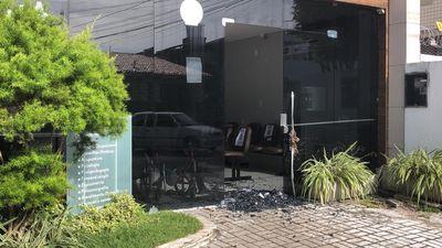 Clínica é atacada por criminosos no Centro de João Pessoa