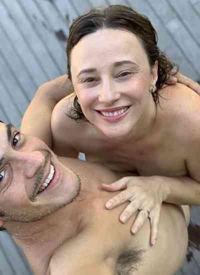 """""""Largados e pelados"""": Mateus Solano e Paula celebram 2020 completamente nus"""
