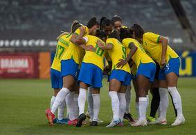 Seleção Feminina durante jogo preparatório.