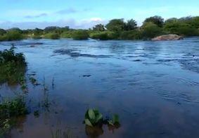Após chuvas, moradores registram cheia em rio da Paraíba; confira a previsão do tempo