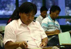 Pesquisa revela: Falta apoio público a estudantes indígenas no Brasil