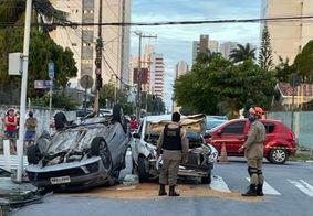 Colisão entre carros deixa três pessoas feridas em João Pessoa