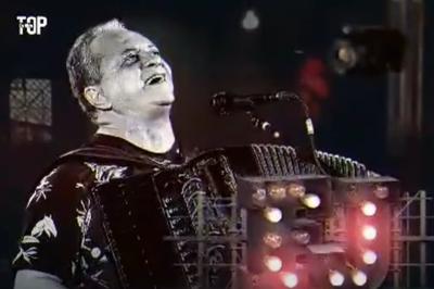 Flávio José faz live nesta terça (24) em São João virtual de Campina Grande