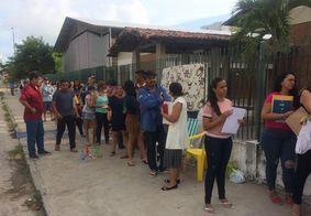 Pais esperam por mais de 70 horas em fila para conseguir vaga em escola pública de João Pessoa