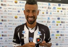 Botafogo-PB anuncia saída de Léo Moura do clube