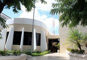 Procuradores pedem suspensão de licitação para contrato de serviços de telefonia a vereadores de JP