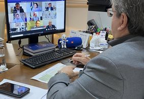 """""""Só a vacina salva e resolve definitivo a questão"""", diz governador da PB após reunião para compra de 37 milhões de doses da Sputnik"""