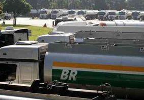 Na PB, juiz determina livre acesso de caminhões da Petrobras ao Porto de Cabedelo