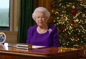 """""""Um simples abraço"""" é o desejo de muitas pessoas neste Natal, diz rainha Elizabeth"""
