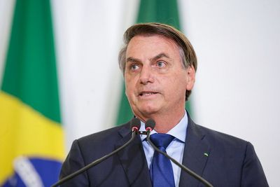 'Depois que o último brasileiro for vacinado, eu decido se vou me vacinar', diz Bolsonaro