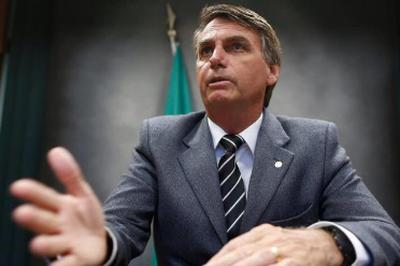 Bolsonaro diz gostar de Crivella, mas não declara apoio para 2020 no Rio