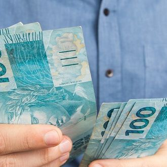 Crédito com garantia de imóvel ajuda organização financeira