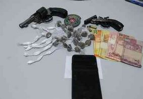 Adolescentes são apreendidos com armas e drogas em Aroeiras, na PB