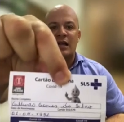 Deputado Cabo Gilberto apresenta cartão de vacina em sessão virtual