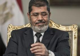 Ex-presidente do Egito morre durante audiência em tribunal