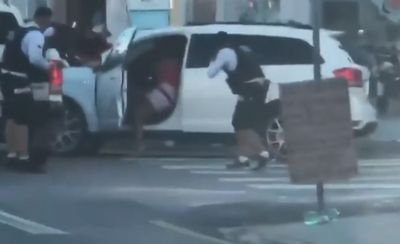 Homem faz policial federal refém em tentativa de assalto e morre após trocar tiros com a PM