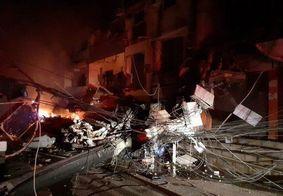 Corpo de Bombeiros busca moradores entre escombros, no Rio de Janeiro