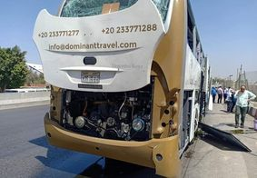 Atentado a ônibus turístico deixa 17 feridos no Egito, próximo a pirâmides