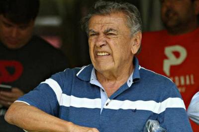 Morre técnico de futebol Nereu Pinheiro