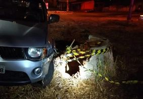 Motorista cai em poço de 15 metros
