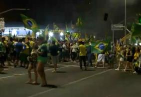 Homem ameaça eleitores com faca durante comemoração da vitória de Bolsonaro, na PB