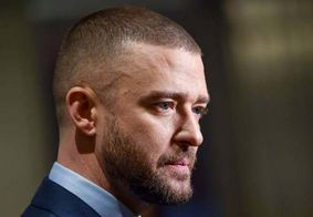 Casado com Jessica Biel, Justin Timberlake é visto de mãos dadas com atriz nos EUA