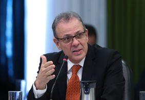 Ministro de Minas e Energia nega racionamento e apagão no Brasil