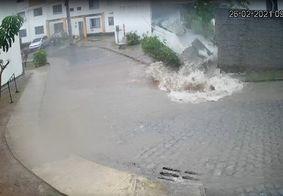 Vídeo: Muro de condomínio em João Pessoa desaba durante chuvas