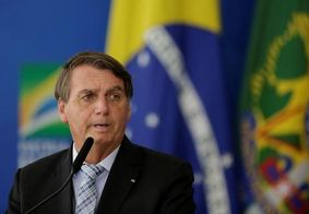 Bolsonaro assina decreto que antecipa 13° de beneficiários do INSS