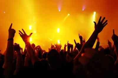 Deputada federal paraibana propõe lei para multar produtoras por atrasos em início de shows