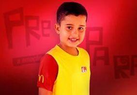 Conheça a criança paraibana que entrou em campo com a Seleção Brasileira