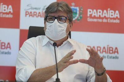 """""""Vacina não é de direita ou de esquerda"""", diz governador da PB sobre decisão de Bolsonaro"""