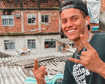 Ex-BBB vai cursar Pedagogia para alfabetizar moradores de favela
