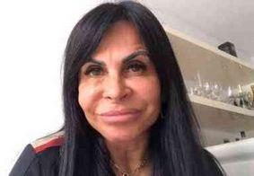 Gretchen reencontra filho que abandonou por sofrer violência doméstica