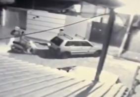 """Mulher faz apelo após ter carro roubado na porta de casa em Campina Grande: """"Minha fonte de renda"""""""