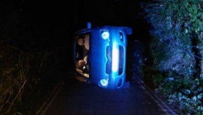 Casal tomba carro durante sexo e é resgatado por policiais