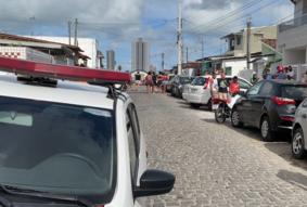 Homem é morto em ataque a tiros e trio suspeito é preso em seguida, em João Pessoa