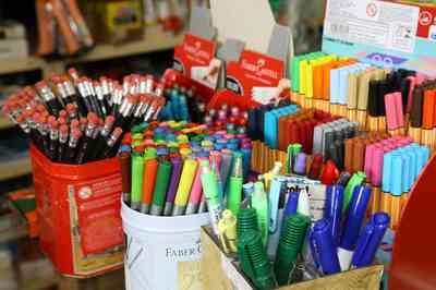 Material escolar: Procon encontra variação de 70% em preço de produto em lojas da mesma rua de JP