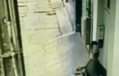 Câmeras flagram suspeito deixando local após morte de jovem em Campina Grande
