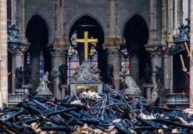 Catedral de Notre-Dame celebra primeira missa após incêndio