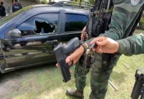 Arma foi encontrada dentro de veículo que estava na festa