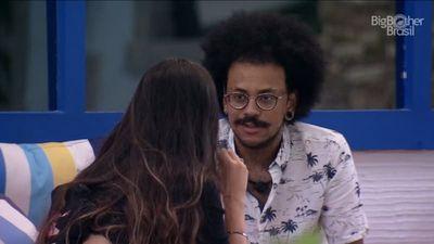 João Luiz se incomoda com 'queixo erguido' de Juliette