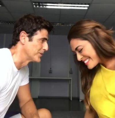 Vídeo: Reynaldo Gianecchini e Juliana Paes cantam tema de Chiclete e Vivi