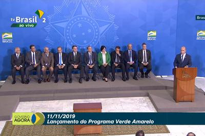 Governo Bolsonaro lança programa para incentivar contratação de jovens no mercado