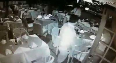 Vídeo mostra motorista consumindo bebida alcoólica antes de acidente na Epitácio; veja