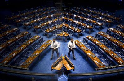Suplentes de três senadores assumem mandatos até 2023