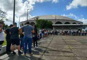 Imagens: fãs fazem fila para se despedir de Gabriel Diniz; velório acontece em João Pessoa