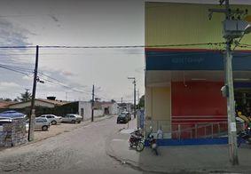 Vídeo: criminosos roubam supermercado e fazem funcionários reféns em JP
